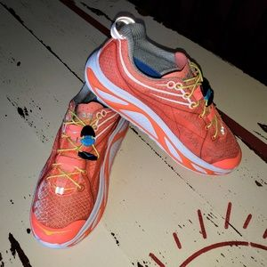 Hi Arch Hoka One One Running Shoes Sz 8 READ NOTE: